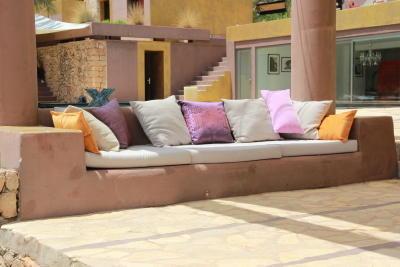 x factor 2012 exklusive bilder von sarah connors und h p baxxters juryhaus auf ibiza. Black Bedroom Furniture Sets. Home Design Ideas