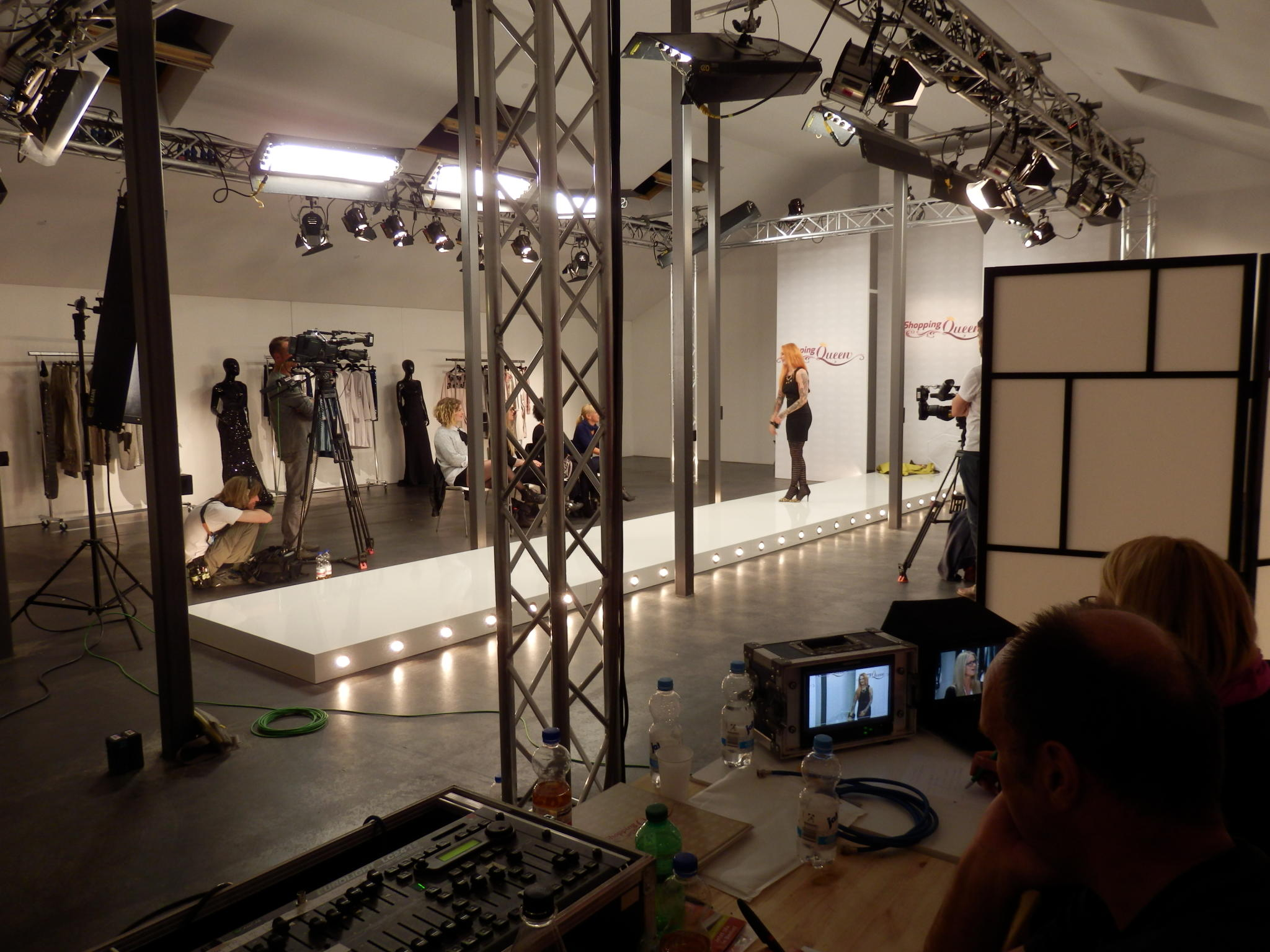 SQ Shopping Queen KW 42 Berlin Wind und Wetter Backstage