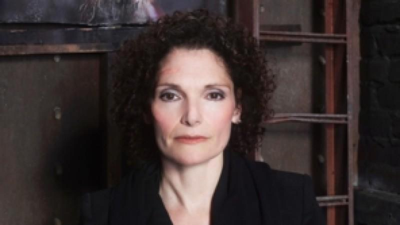 Oscar-Nominee Mary Elizabeth Mastrantonio in Grimm