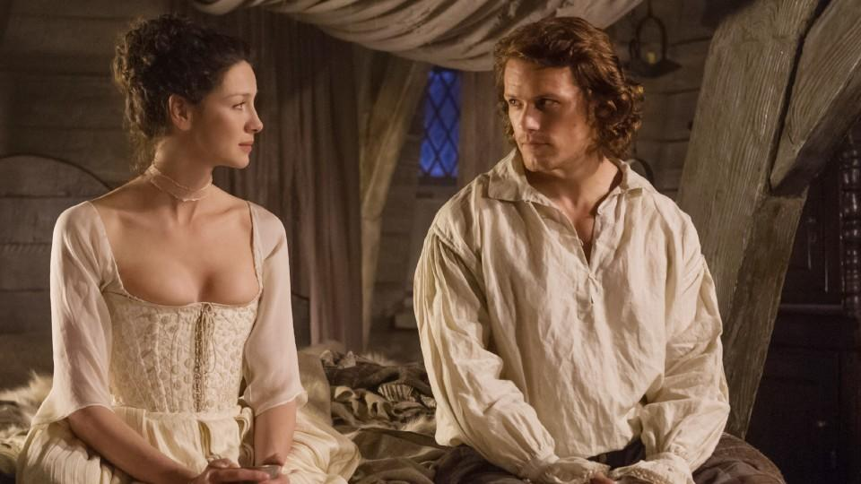 Claire Randall (Caitriona Balfe), Jamie (Sam Heughan) © VOX/Sony Pictures Television Inc.