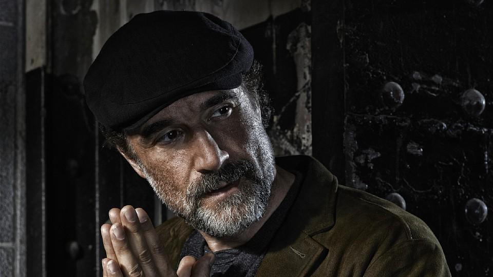"Elias Koteas in der Rolle des Detectives Alvin Olinsky in ""Chicago P.D."""