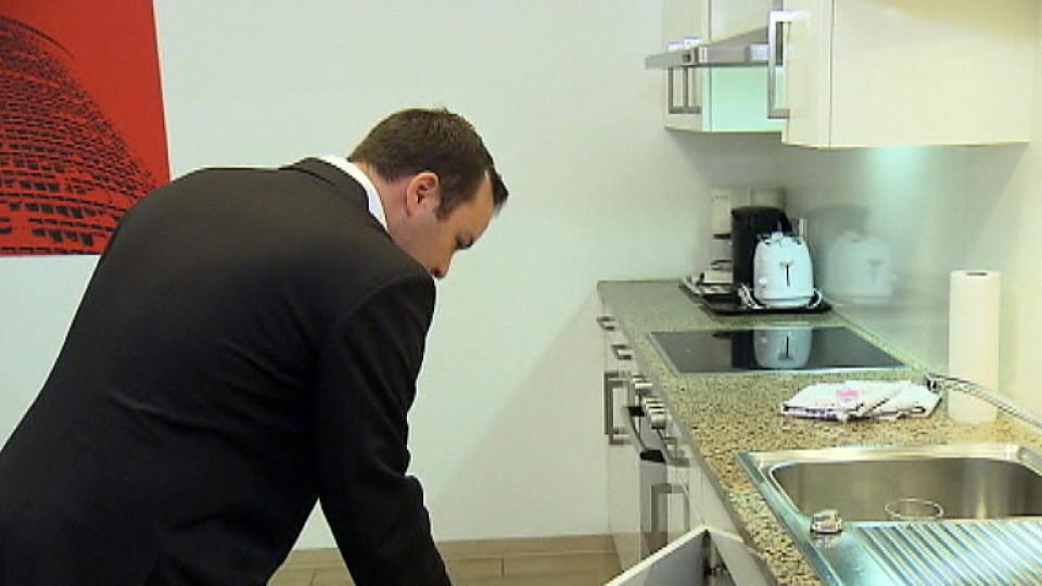 mieten kaufen wohnen mit diesem begleiter tut sven riegel makler alexander posth keinen. Black Bedroom Furniture Sets. Home Design Ideas