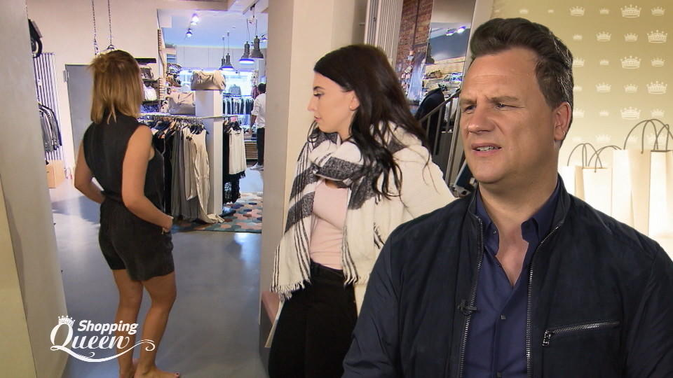 """Shopping Queen""-Kandidatin Theresa auf Shoppingtour"