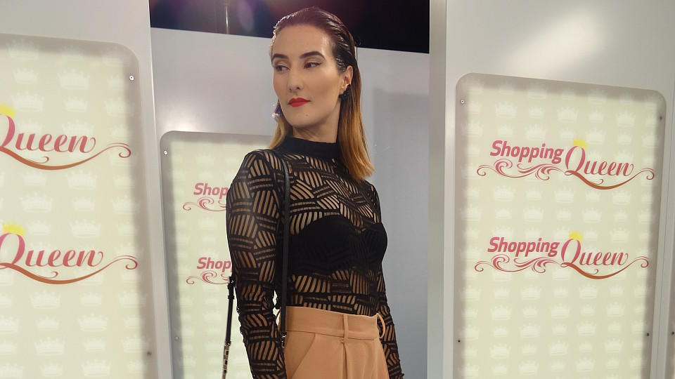 """Shopping Queen""-Kandidatin Juliane präsentiert ihren EM-Siegerparty-Look"