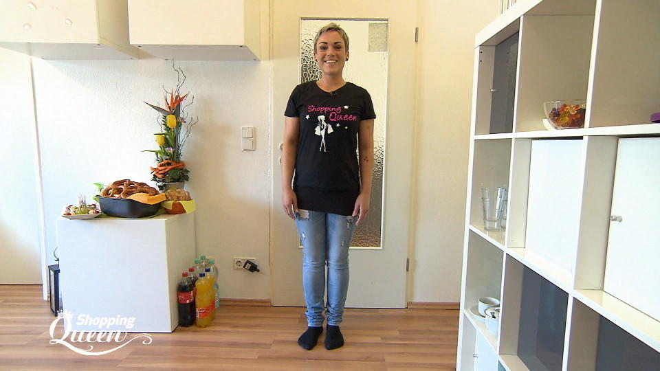 shopping queen sabine aus regensburg im style check. Black Bedroom Furniture Sets. Home Design Ideas