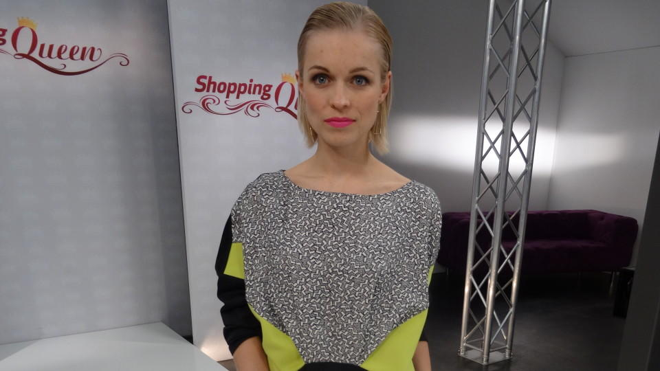 """Shopping Queen""-Kandidatin Katja auf dem Catwak in Berlin"