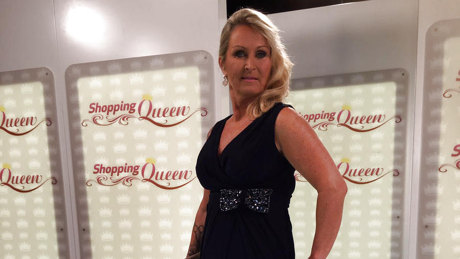 """Shopping Queen""-Kandidatin Sabine auf dem Catwalk"