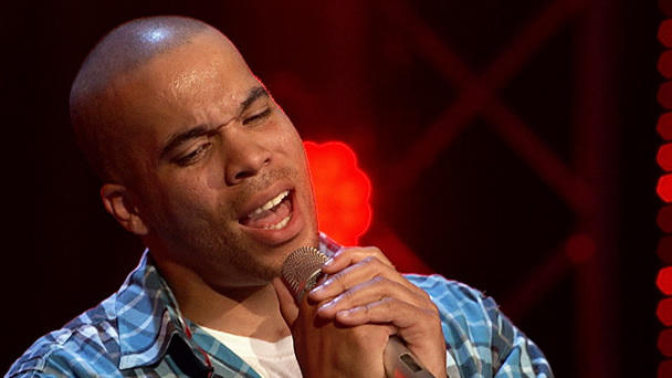 "X Factor: Willy Hubbard singt ""Kiss From A Rose"""