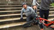 Michael verletzt sich beim Mountainbike-Training