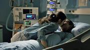 Ein inniger Moment zwischen Emma und Leo