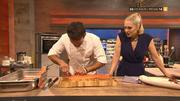 Steffen Henssler zeigt, wie man korrekt Fisch filetiert