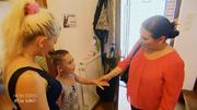 Mama Anna ist zu Gast bei Mirjam und Sohn Jamel