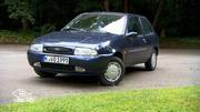 Alterschwacher, rostiger Ford Fiesta im Angebot