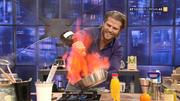 Paul Janke zeigt eine brandheiße Flambiershow