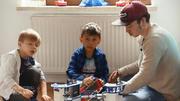 Papa Marco übernimmt den Haupteil der Erziehung
