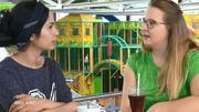 Talitha gibt Leyla Tipps im Umgang mit Esila